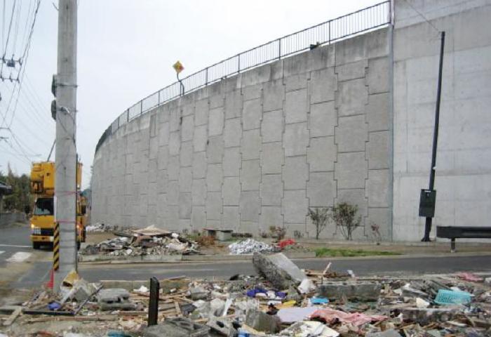 大津波から子供たちを救った「命の道」